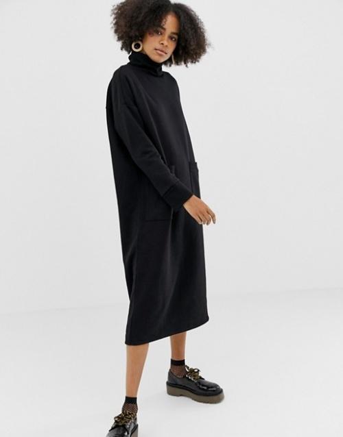 Monki - Robe mi-longue à col roulé avec poches oversize