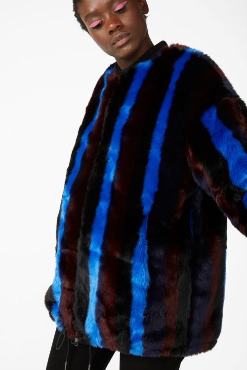 Monki - Manteau en fausse fourrure