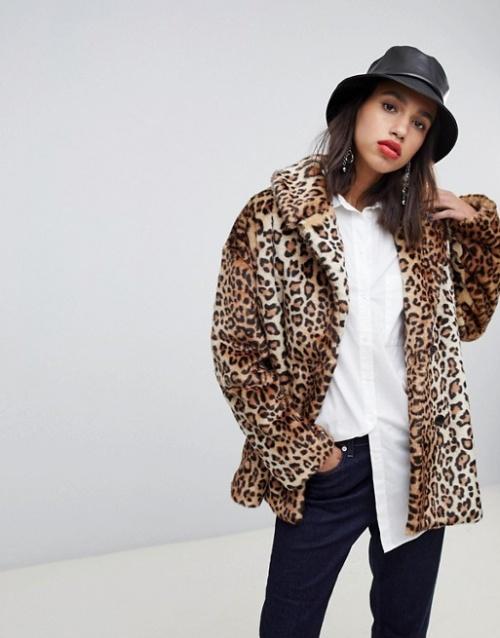 Stradivarius- Manteau fausse fourrure à motif léopard