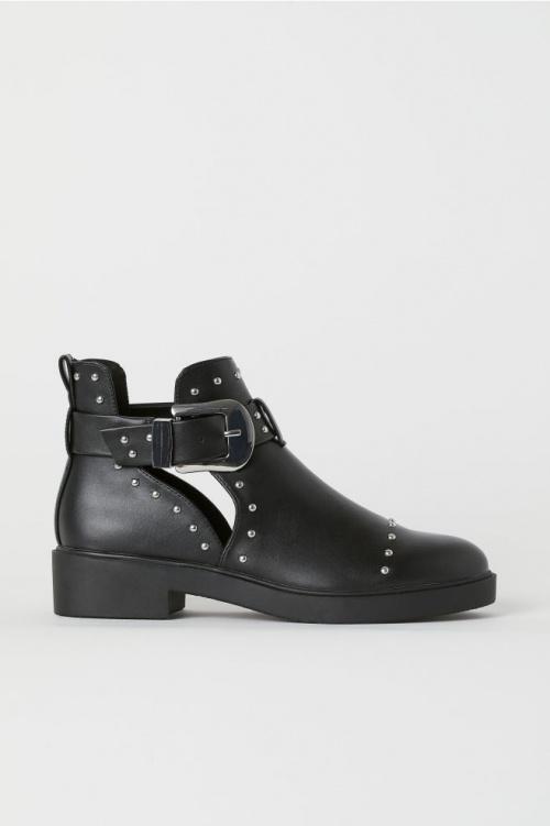 H&M- Bottines noirs cloutées