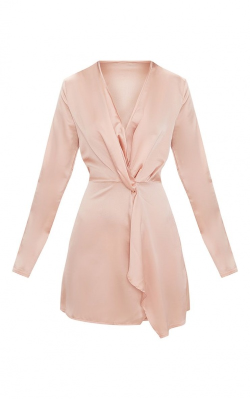 PrettyLittleThing- Robe cache coeur satinée