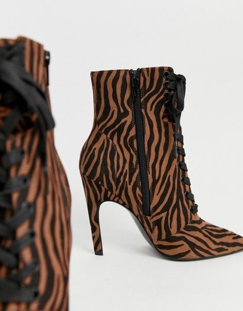 ASOS DESIGN - Elaina - Bottines à lacets et imprimé tigre