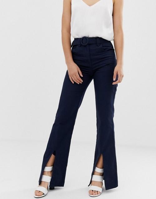 ASOS DESIGN - Pantalon évasé fendu sur le devant avec ceinture