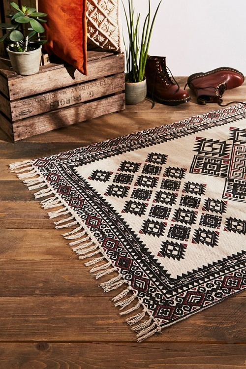 Urban Outfitters - Tapis