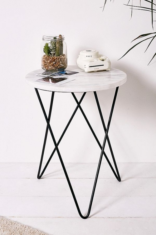 Urban Outfitters - Table de chevet