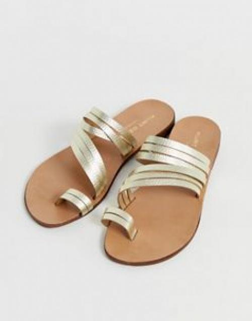 Kurt Geiger London - Delilah - Sandales plates avec boucle à l'orteil en cuir