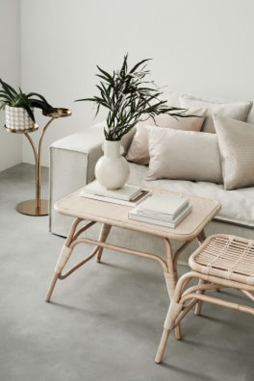 H&M Home - Table basse avec rotin