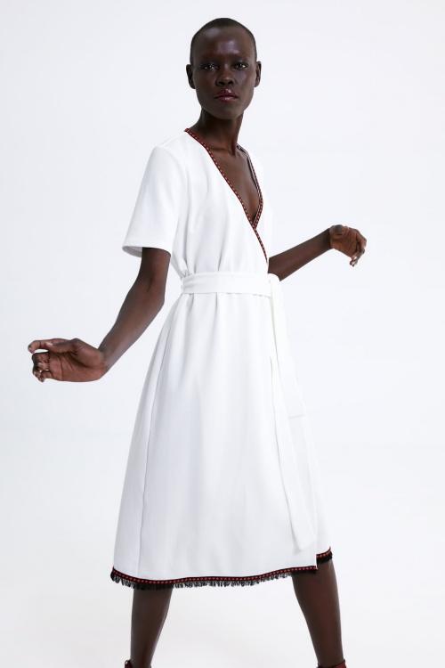 Zara - Robe à fermeture croisée