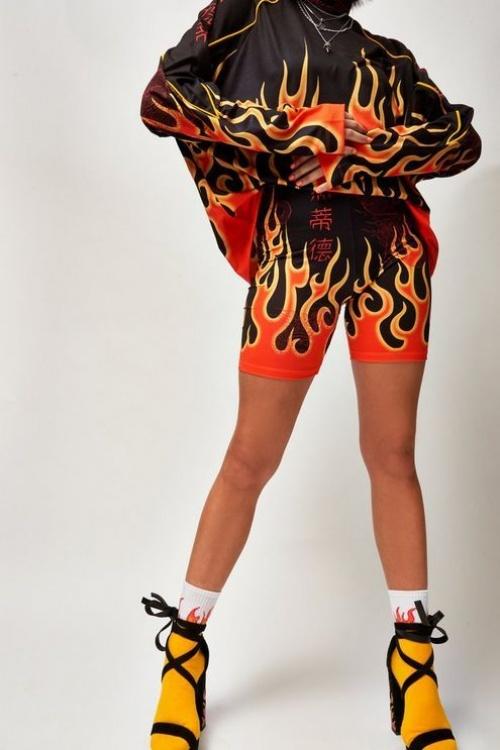Topshop - Short cycliste à motif flammes, Jaded London