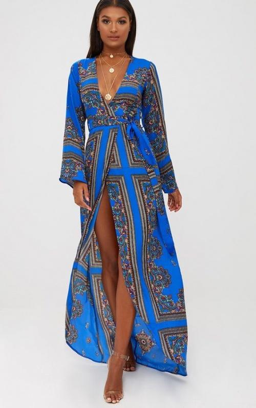 Robe maxi kimono satinée cobalt imprimée