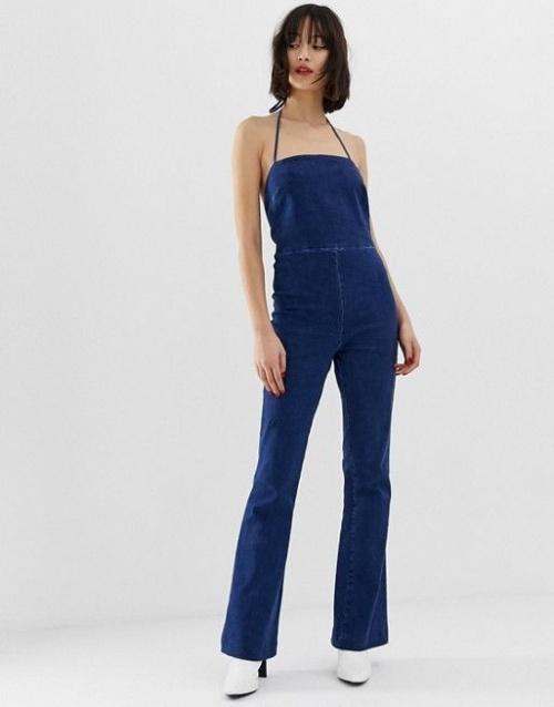 Asos design - Combinaison en jean évasée à bretelles dans le dos