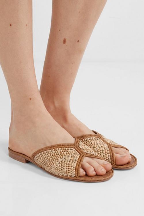 Carrie Forbes - Claquettes en raphia tressé bicolore