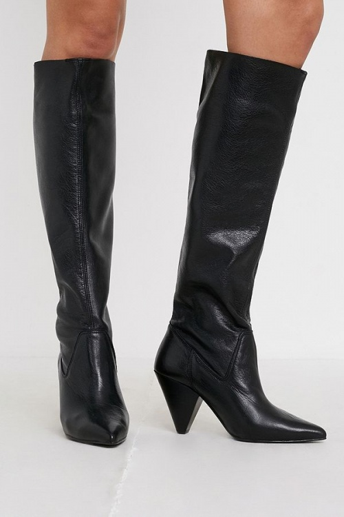 Urban Outfitters - Bottes à talons
