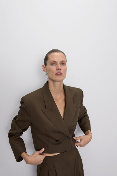 Zara - Veste courte épaules larges