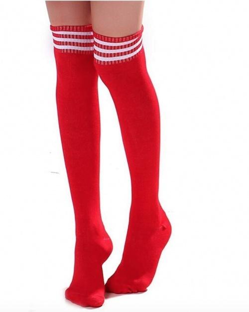 Amazon - Chaussettes hautes rouges
