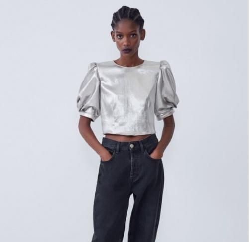 Zara - Haut métallisé à volume