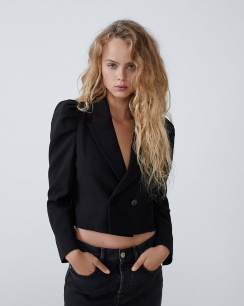 Zara - Veste à épaules larges
