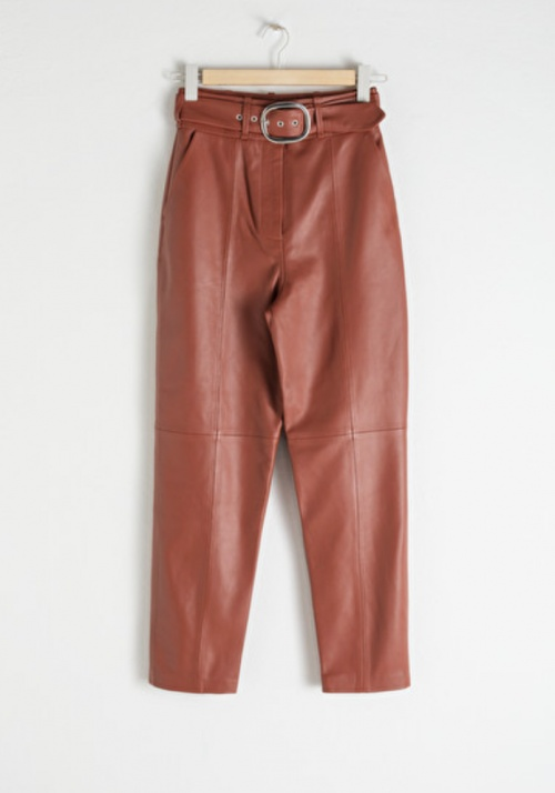 &Other Stories - Pantalon simili cuir ceinturé