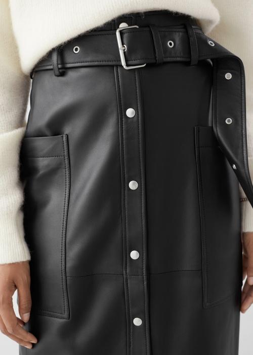 Jupe en cuir avec ceinture