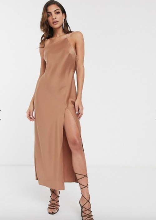 Asos Design - Robe asymétrique en satin