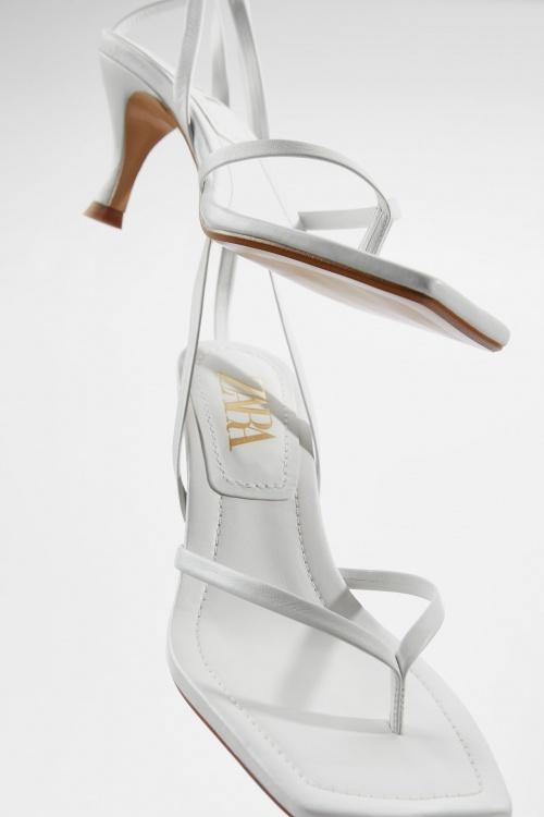 Zara - Sandales à talons bouts carrés