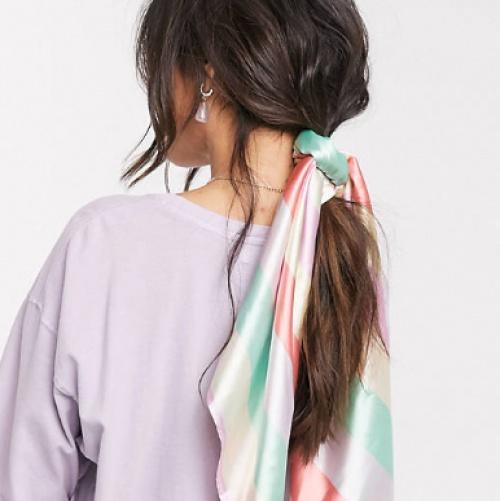 ASOS DESIGN - Grand foulard carré à rayures en polyester satiné - Multicolore