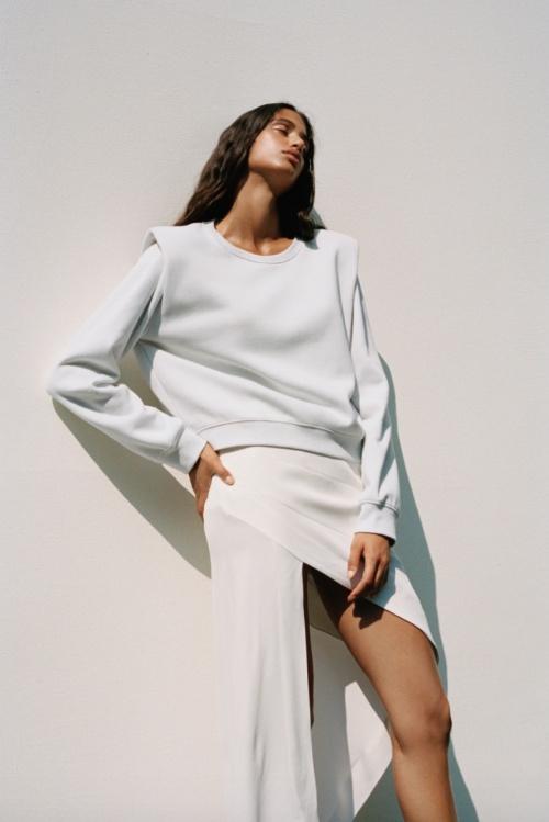 Zara - Sweat à épaulettes