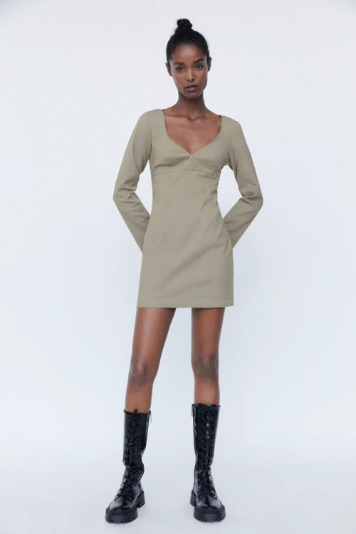 Zara - Robe à encolure en coeur