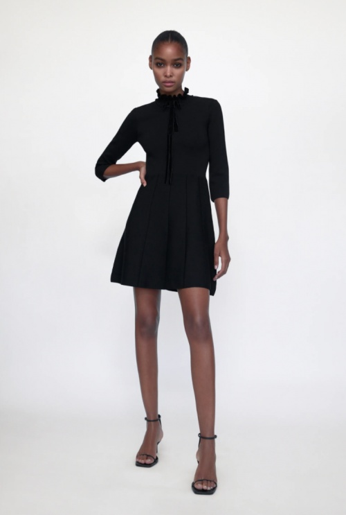 Zara - Robe pull avec noeud en velours