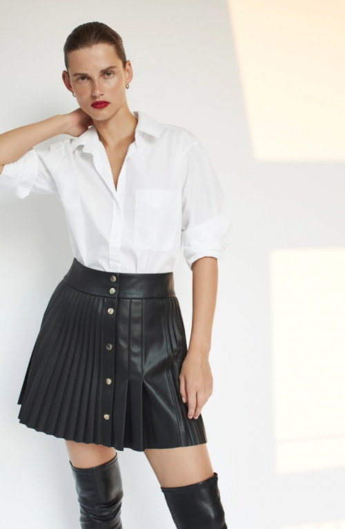 Zara - Mini jupe plissée en similicuir