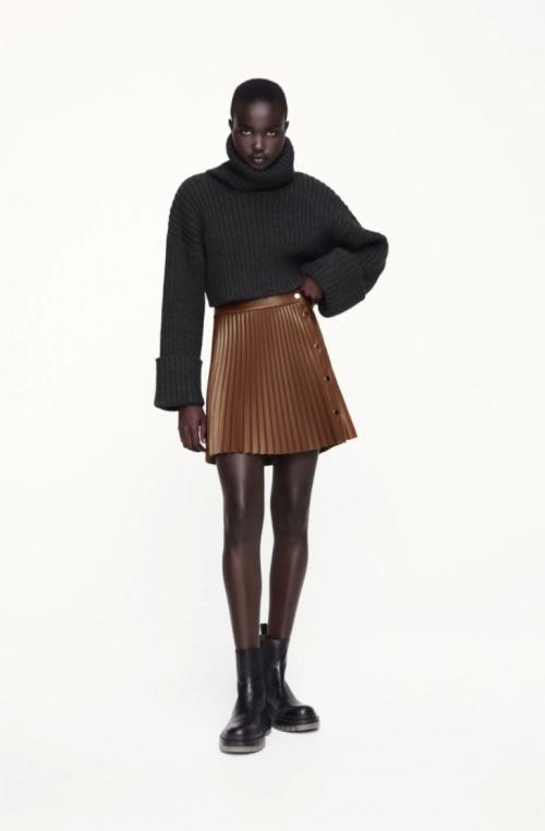 Zara - Mini-jupe plissée en similicuir