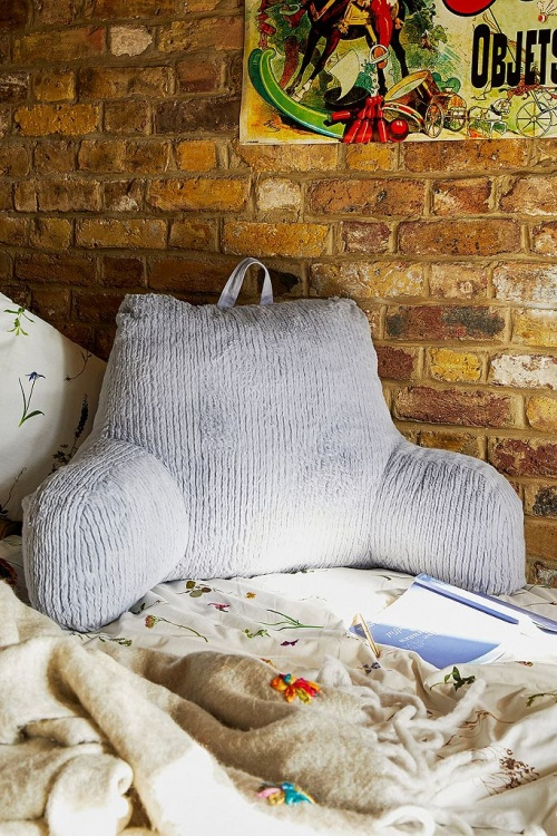 Urban Outfitters - Coussin en velours