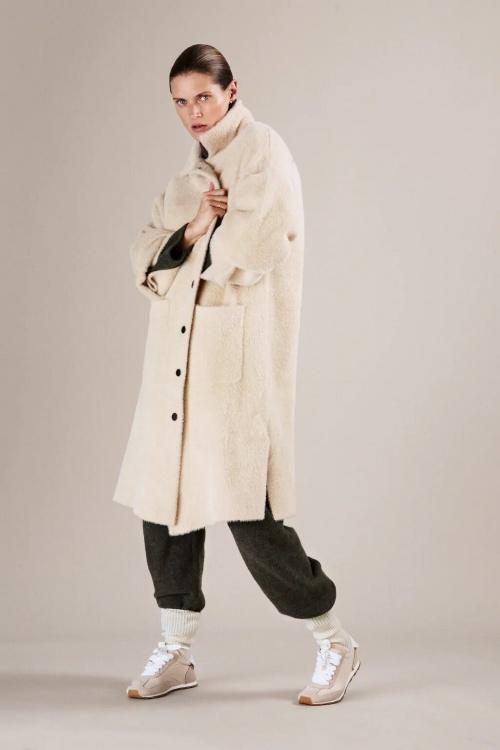 Zara - Manteau oversize en fausse fourrure