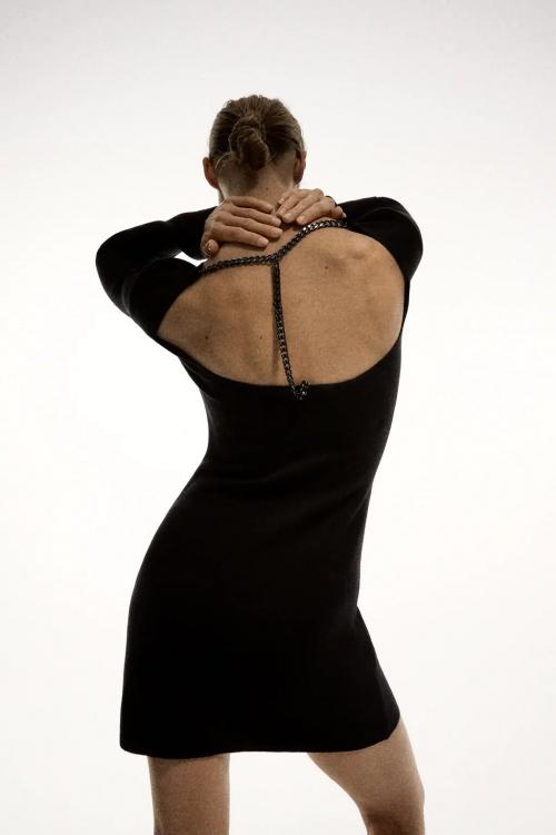Zara - Robe en maille avec chaîne
