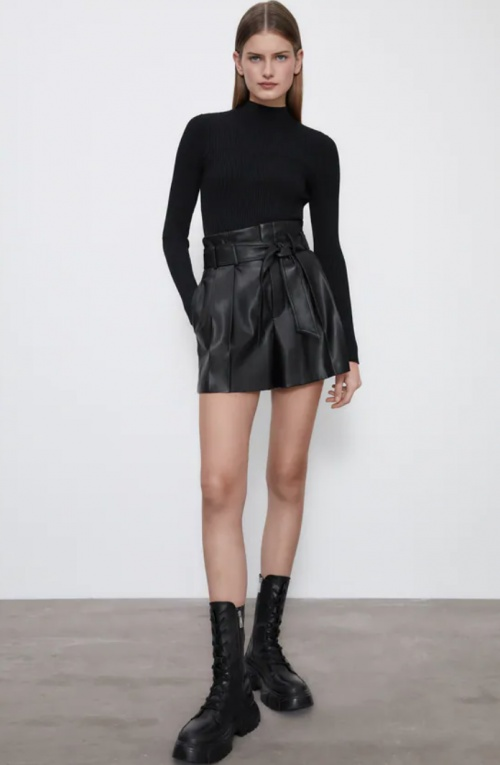 Zara - Short en similicuir
