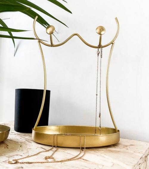 Porte-bijoux buste en fil doré