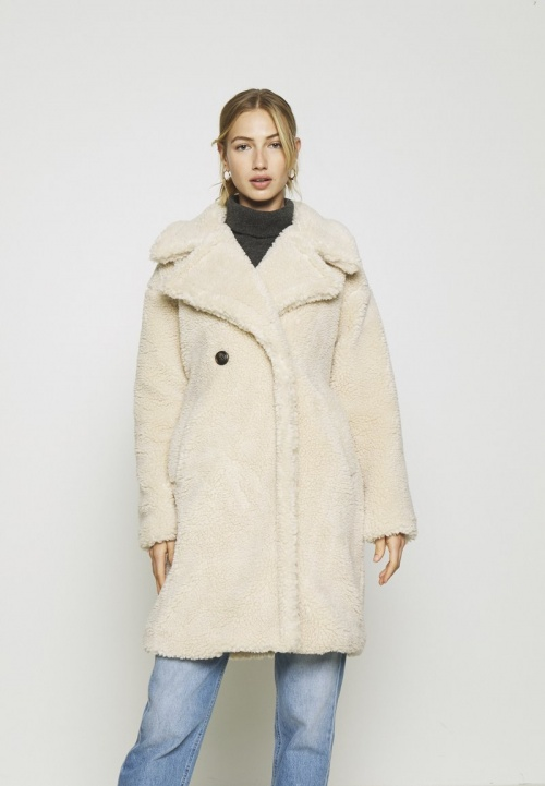 Vero Moda - Manteau teddy bear