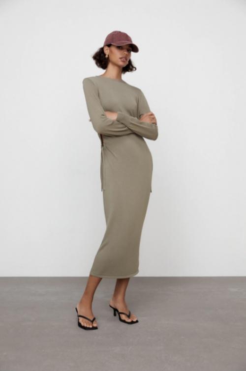Zara - Robe à découpes