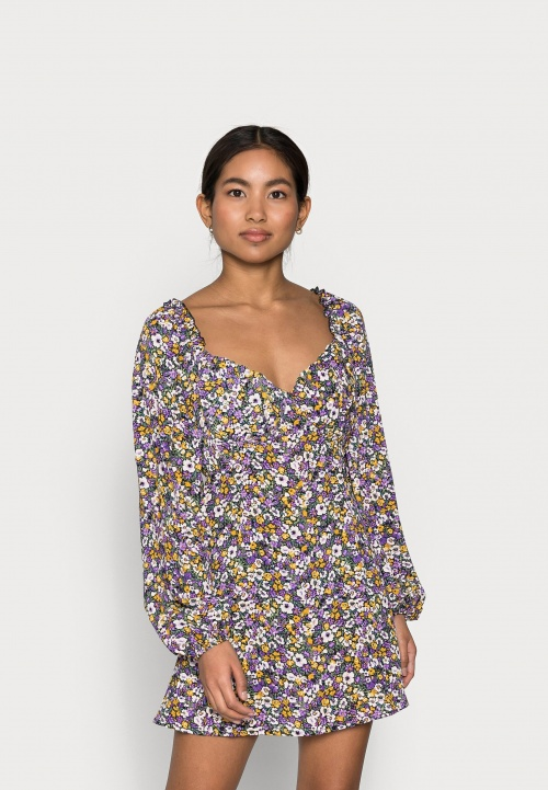 Missguided Petite - Robe fleurie