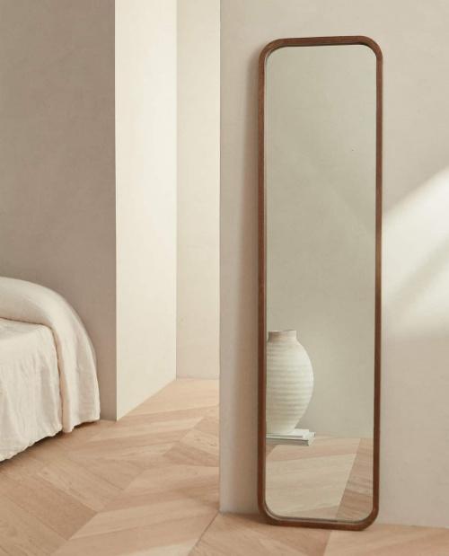 Zara Home - Miroir sur pieds en bois