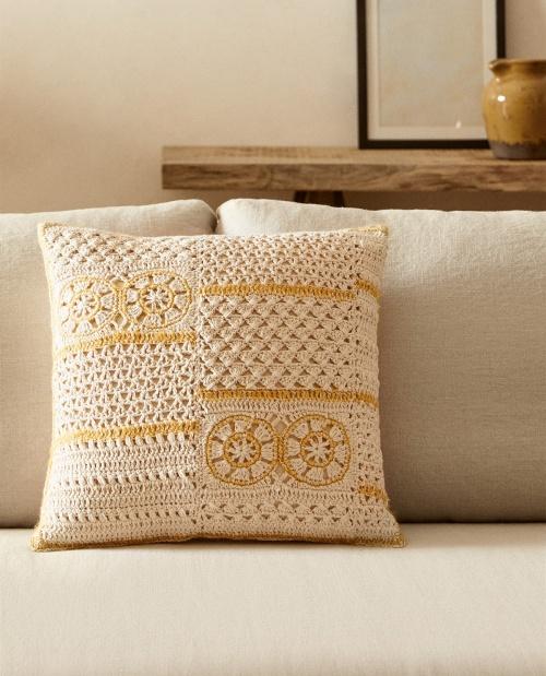 Zara Home - Coussin crochet