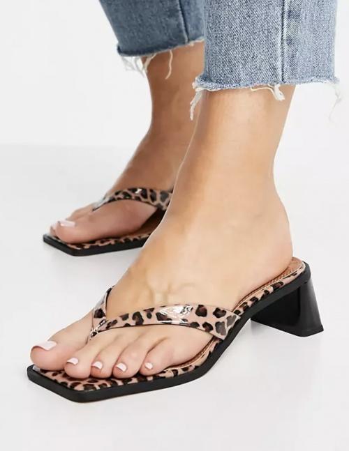Asos Design - Sandales à talons mi-hauts et entre-doigt