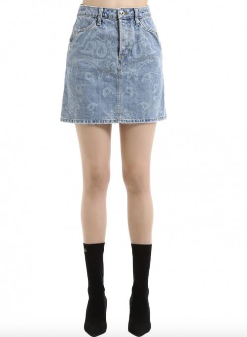 Jonathan Simkhai sur Luisaviaroma.com - Mini jupe en jean imprimé bandana