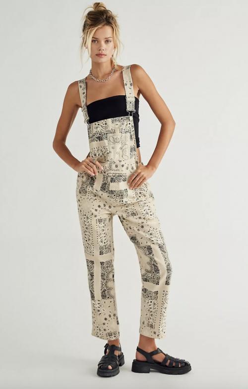 Free People - Salopette en jean imprimé bandana