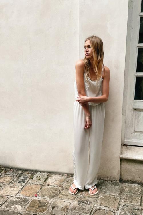 Zara - Pantalon en soie brodé