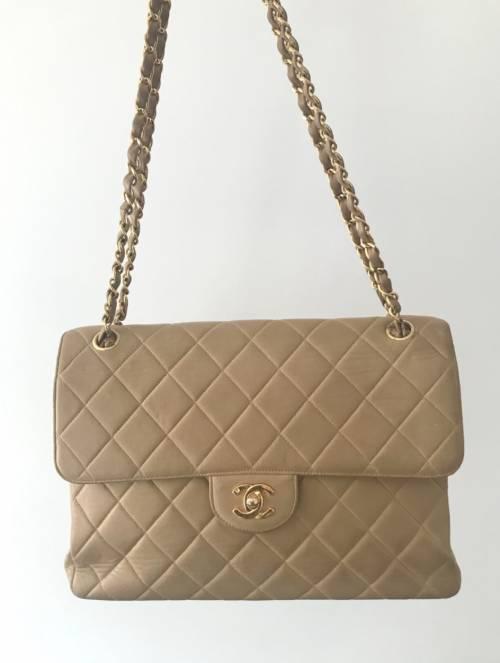 Chanel sur VideDressing.com - Sac Timeless en cuir matelassé d'occasion