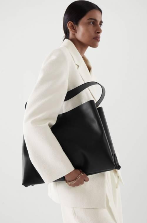 COS - Sac oversize porté épaule en cuir
