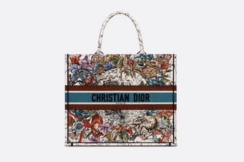 Dior - Grand sac cabas brodé
