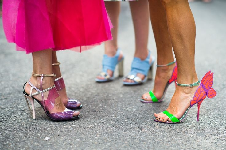 Des chaussures très colorées