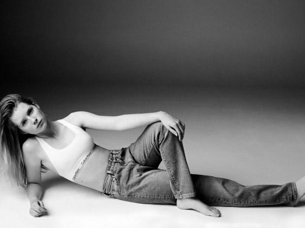 lottie-moss-jeans